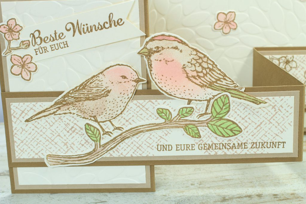 Z-Fold-Card Vogelhochzeit Thinlits Blumen und Vögel Blättermeer - 4